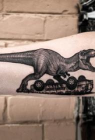 德国恐龙纹身 男生手臂上汽车和恐龙纹身图片