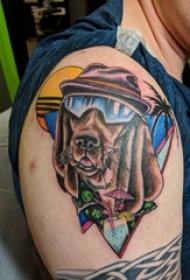 小狗纹身图案 男生大臂上彩色的小狗纹身图片