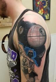 宇宙 纹身 男内行臂上宇宙纹身图片