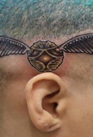 頭上紋身圖片  女生頭上黑灰的昆蟲紋身圖片