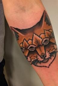 百樂動物紋身 男生手臂上奇異的狐貍紋身圖片