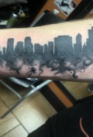 建筑物纹身 男生手臂上黑色的高楼大厦纹身图片