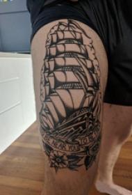 小帆船纹身  男生大腿上黑色的小帆船纹身图片