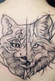 歐美拼接紋身 女生后背上拼接的狼頭紋身圖片