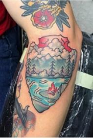 手臂纹身图片 男生手臂上彩色的山水纹身图片