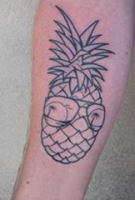 极简线条纹身 男生手臂上戴眼镜的菠萝纹身图片