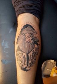 极简线条纹身 男生小腿上植物和狮子纹身图片