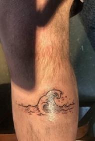 欧美小腿纹身 男生小腿上黑色的浪花纹身图片