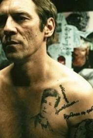 《纹身师》电影里的人物胸上的人物肖像纹身图片