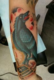 纹身鸟  男生小臂上彩绘的鸟纹身图片