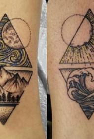 纹身风景图案 男生小腿上三角形和风景纹身图片