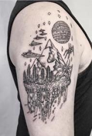 大臂纹身图 男生大臂上星球和森林风景纹身图片