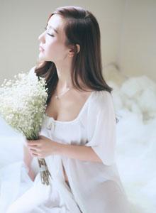 绝色美女小秀性感唯美婚纱图片