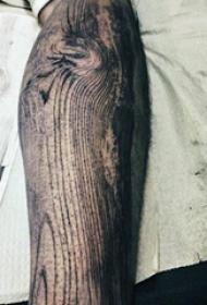 纹身树木的图像  奇趣的树木木刻纹身图案