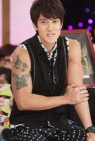 吴尊纹身图案  明星手臂上黑灰色的纹身图片