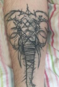 小動物紋身 男生手臂上黑色的大象紋身圖片