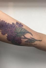 纹身图案花朵  女生手臂上彩绘的花朵纹身图片