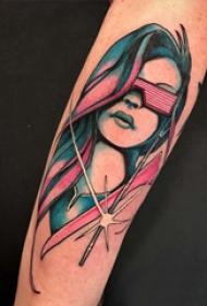 人物肖像纹身 男生手臂上彩色的蒙面少女纹身图片