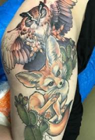 百樂動物紋身  女生大腿上彩繪的百樂動物紋身圖片