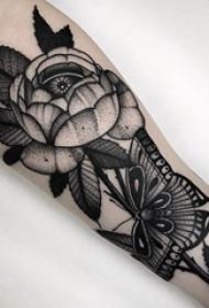 花卉纹身图案  种类多样的唯美花卉纹身图案