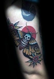 纹身虫  趣味十足的飞蛾纹身图案
