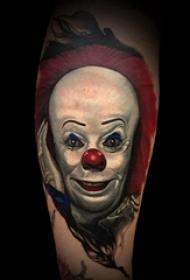 小丑纹身 男生手臂上逗趣的小丑纹身图片
