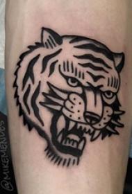 百乐动物纹身 男生手臂凶猛的老虎纹身图片