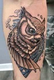 紋身貓頭鷹 男生手臂上浪花和貓頭鷹紋身圖片