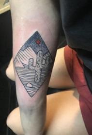 几何元素纹身 女生手臂上菱形和仙人掌纹身图片