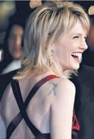 美国明星纹身  明星肩部黑色的人物纹身图片