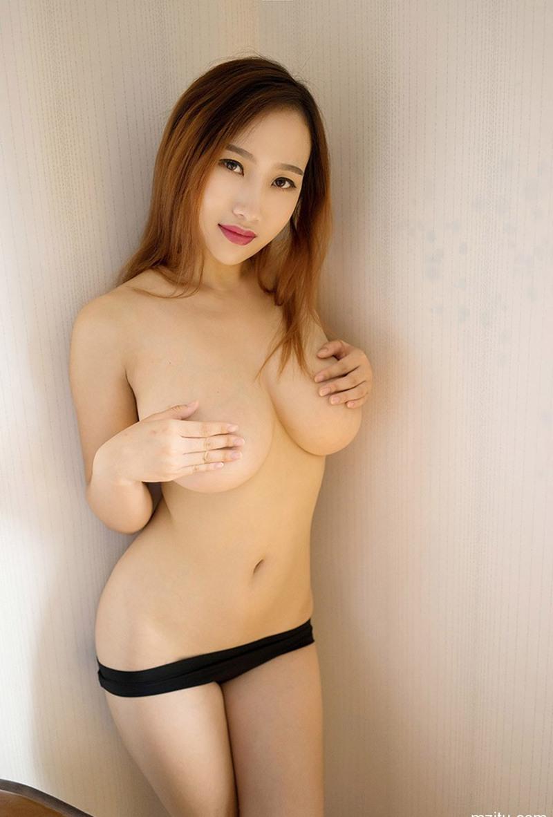 粉嫩美女閔妮Mily性感巨乳人體藝術寫真