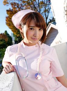 護士裝尾內衣秀巨乳制服誘惑寫真