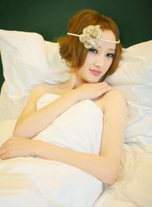 氧气白皙女神性感锁骨美背高清美图