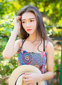 清新长发少女紫藤花下纯情写真