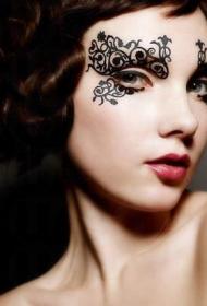 脸部纹身图案  时尚而又别致的脸部纹身图案