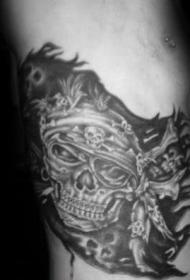 海盗纹身图案  黑灰色调的海盗纹身图案
