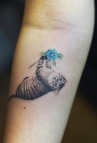 猫咪纹身图案   优雅灵敏的猫咪纹身图案
