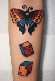 纹身胡蝶女  翩翩飞舞的胡蝶纹身图案