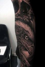紋身老鷹圖片  迅猛而又霸氣的老鷹紋身圖案