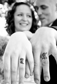 情侣戒指纹身   清新小巧的情侣戒指纹身图案