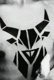 纹身图案胸部男  简洁大方的男生胸部纹身图案