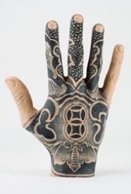 手背纹身_24张创意手模手背纹身图案欣赏
