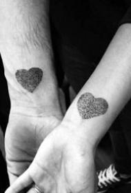 简单情侣纹身_8张小清新简约的情侣纹身图案作品图片