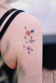 简约花草纹身_9张适合女生的超简约小清新花草纹身图片