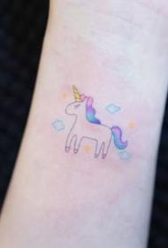 彩色小清新纹身-色彩新颖的可爱小图案小清新