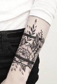 臂环纹身--一组漂亮的黑灰臂环纹身图案