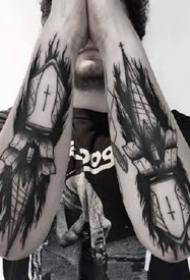 一组合适男性的暗黑风格纹身作品图案