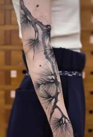 水墨画纹身--8张水墨画风的黑灰纹身图案图片