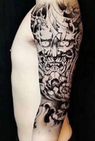 大年夜黑花臂纹身--一组7张精品大年夜黑花手臂纹身图案