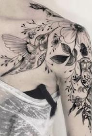 一组单针黑灰的纹身图案作品